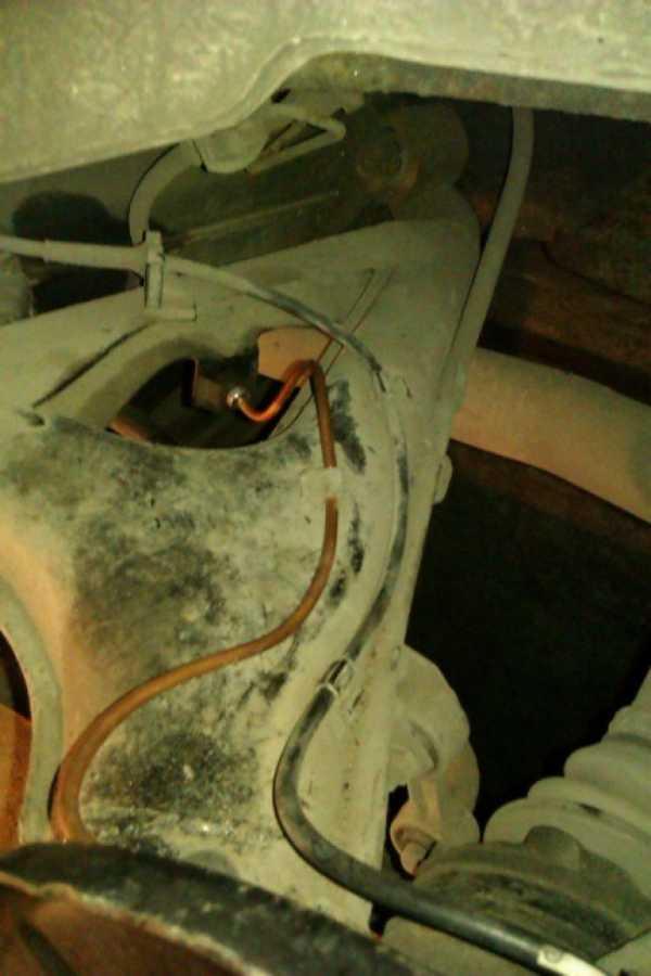Руководство по лампам задних фонарей BMW 5 Серии E34